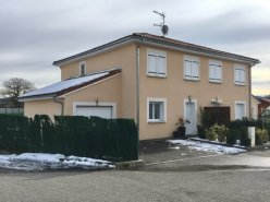 Coquette villa jumelée T6 à 10 minutes de Genève