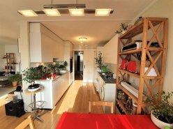 Lumineux Appartement en Attique de 3,5 pièces, vue et dégagement