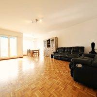 VISITE 3D / Bel appartement 4.5 p / 3 chambres / SDB / balcon avec vue