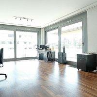 Superbe surface commerciale / 5.5 p / 4 bureaux / Balcon