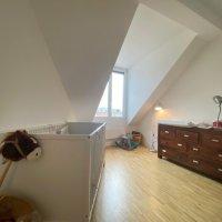 magnifique attique mansardé de 5.5 pièces entièrement rénové