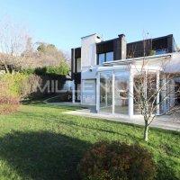 Belle maison d'architecte de 7 pièces à Anières