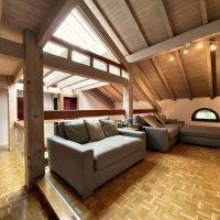 Magnifique maison mitoyenne de 250 m2 avec de très beaux volumes