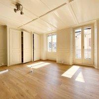 Magnifique appartement rénové 2 p / 1 chambre / SDB / Balcon