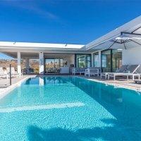 Marbella // Villa de vacances moderne et élégante