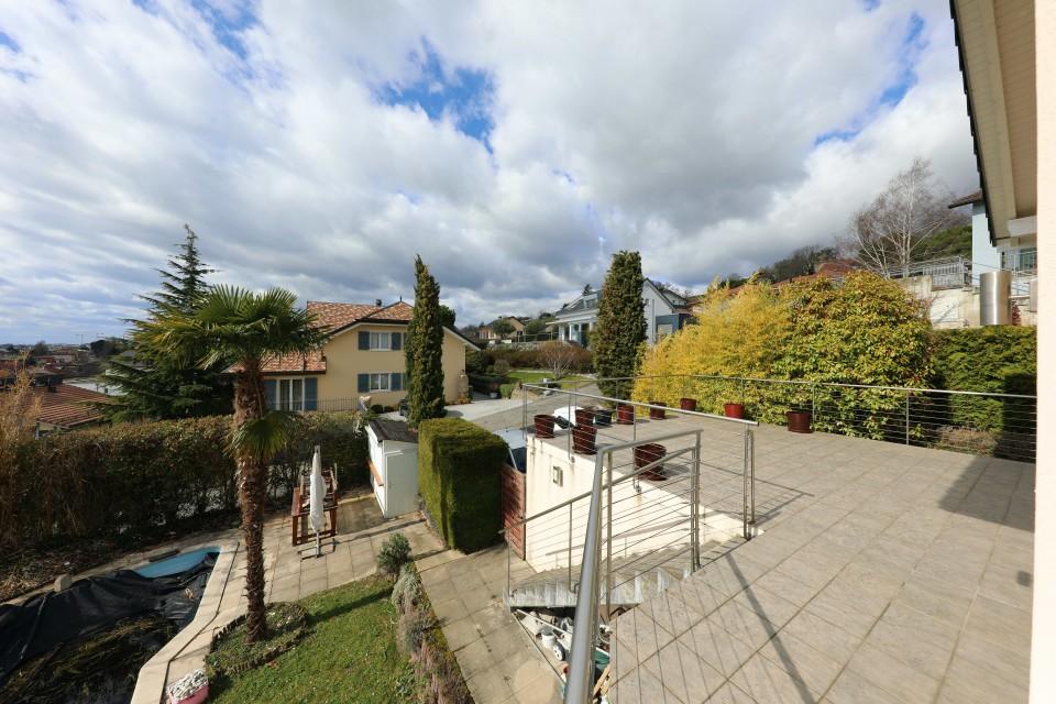 Magnifique villa individuelle avec belle vue sur le lac et montagnes