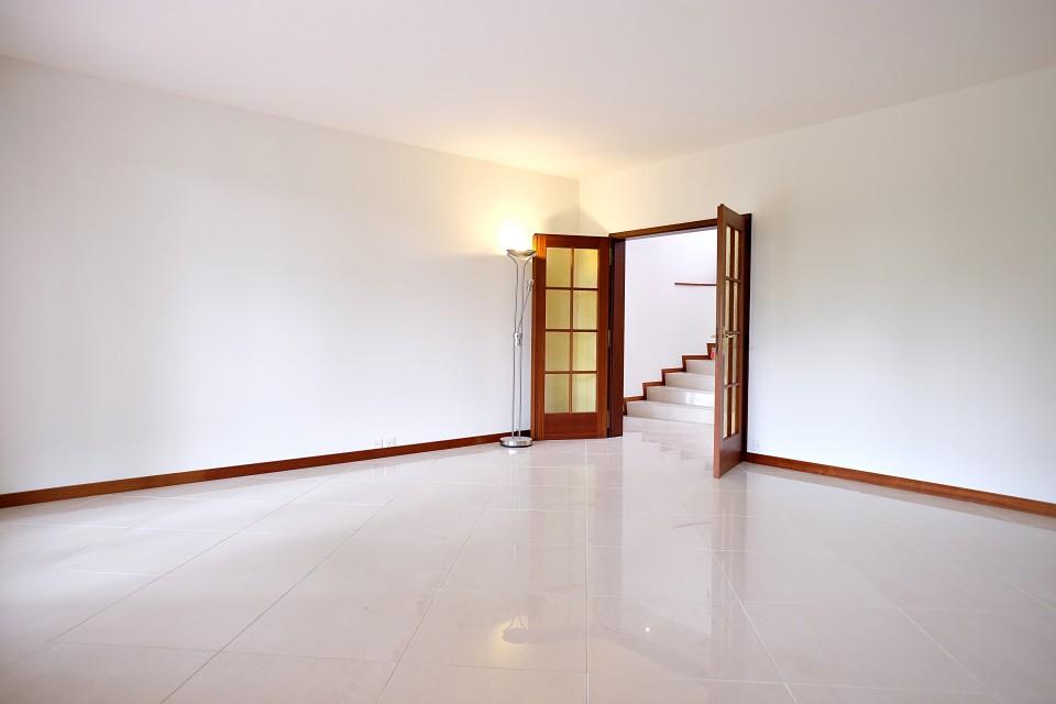 Magnifique maisons de 10 pièces / 390m2 / 5 chambres / Vue dégagée
