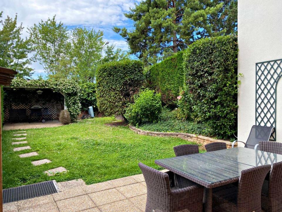 Splendide 3,5 P avec terrasse/jardin -Piscine intérieure-Garage double