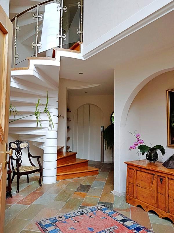 Superbe villa individuelle 8 p / 5 chambres / 4 SDB / piscine / vue